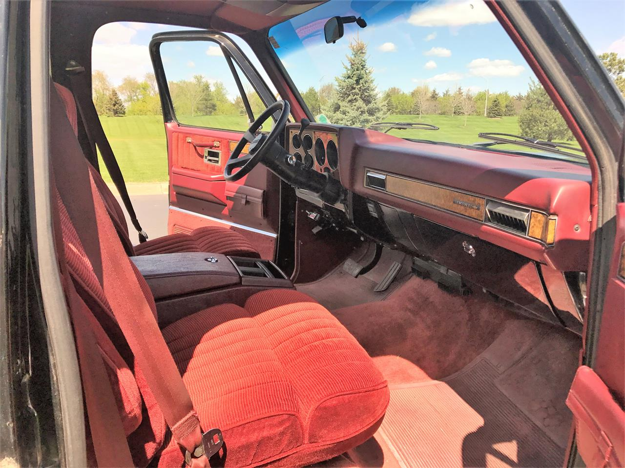 Large Picture of 1989 Chevrolet Suburban Offered by a Private Seller - LHN1