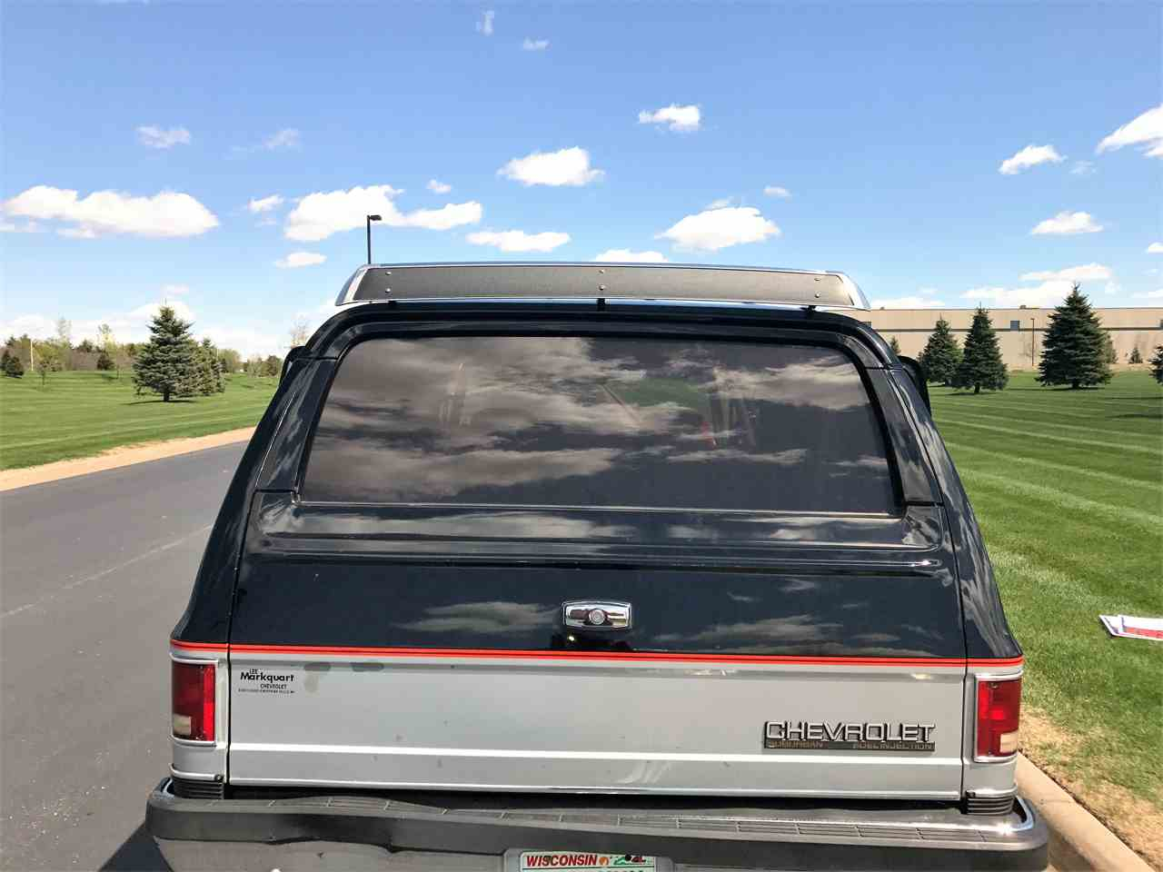 Large Picture of '89 Suburban - LHN1