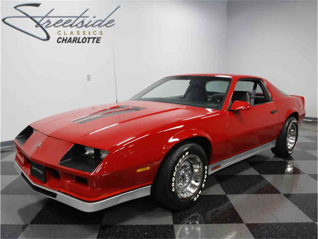 Large Picture of '83 Camaro Z28 - LHNQ