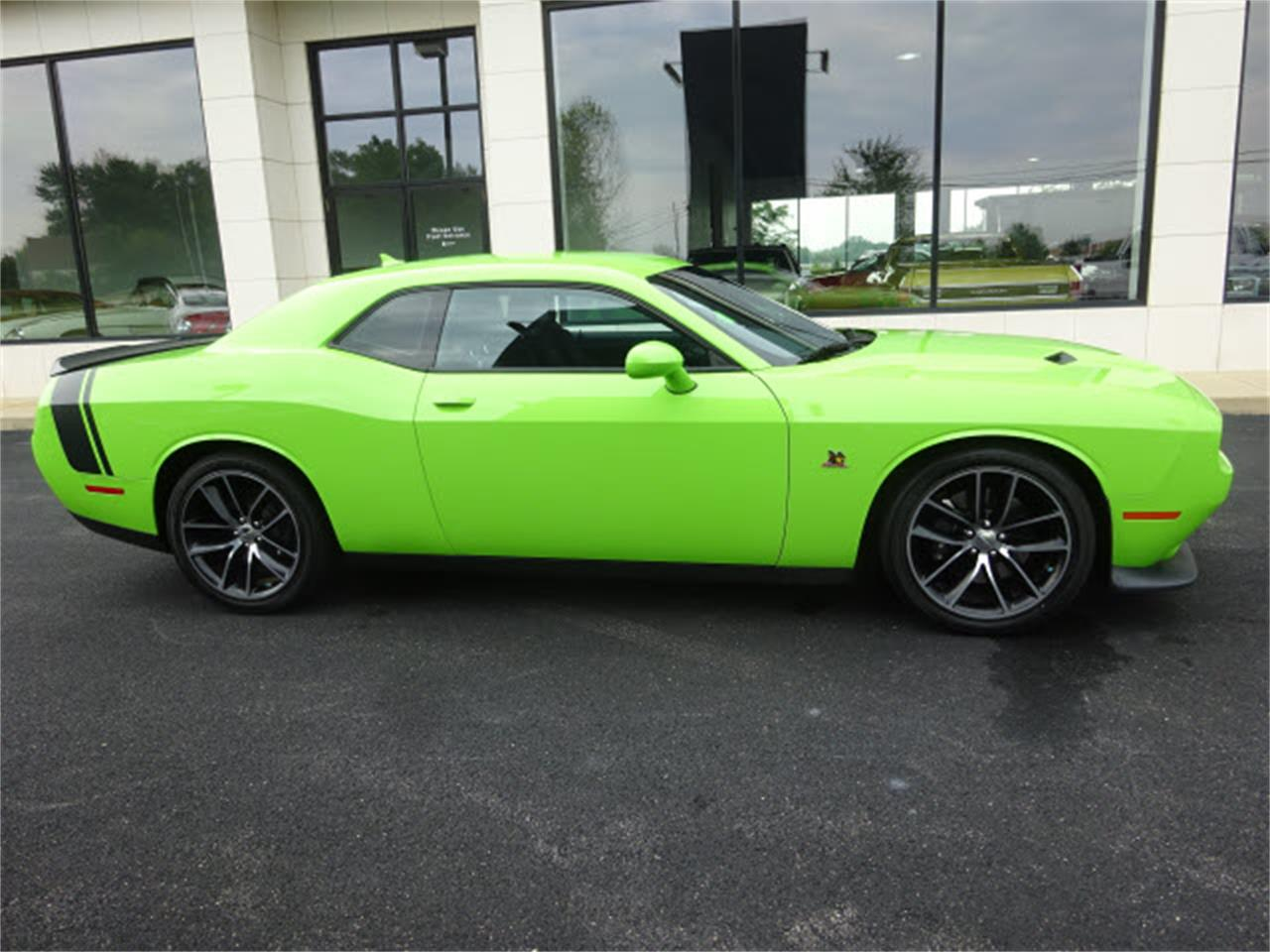 Large Picture of '15 Dodge Challenger located in Ohio - $33,999.00 - LHOO