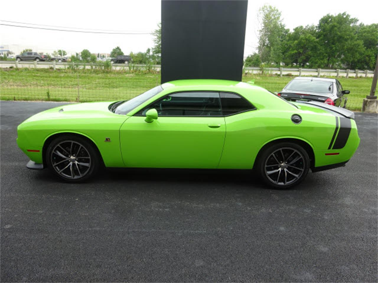 Large Picture of 2015 Dodge Challenger located in Ohio - $33,999.00 Offered by Nelson Automotive, Ltd. - LHOO
