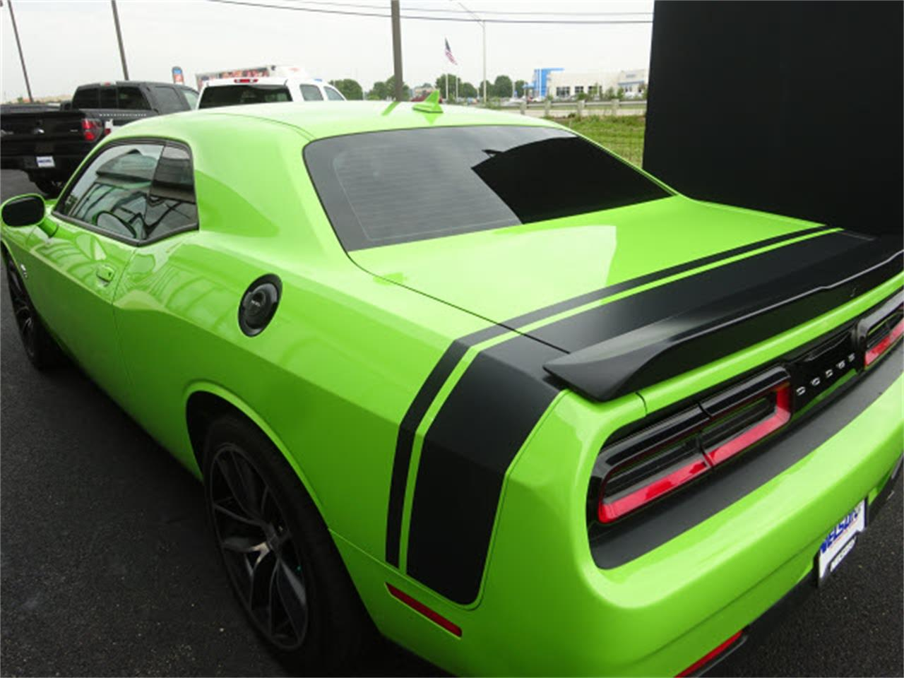 Large Picture of '15 Dodge Challenger - $33,999.00 - LHOO
