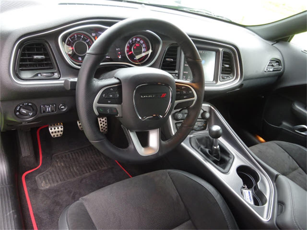 Large Picture of '15 Challenger - $33,999.00 Offered by Nelson Automotive, Ltd. - LHOO