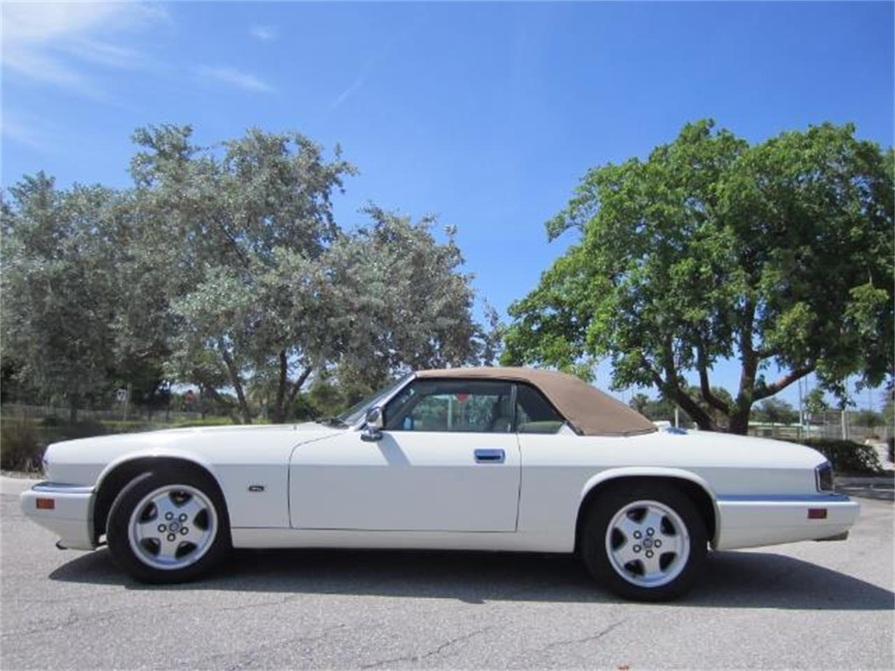 Large Picture of '94 Jaguar XJS located in Florida - LHPC
