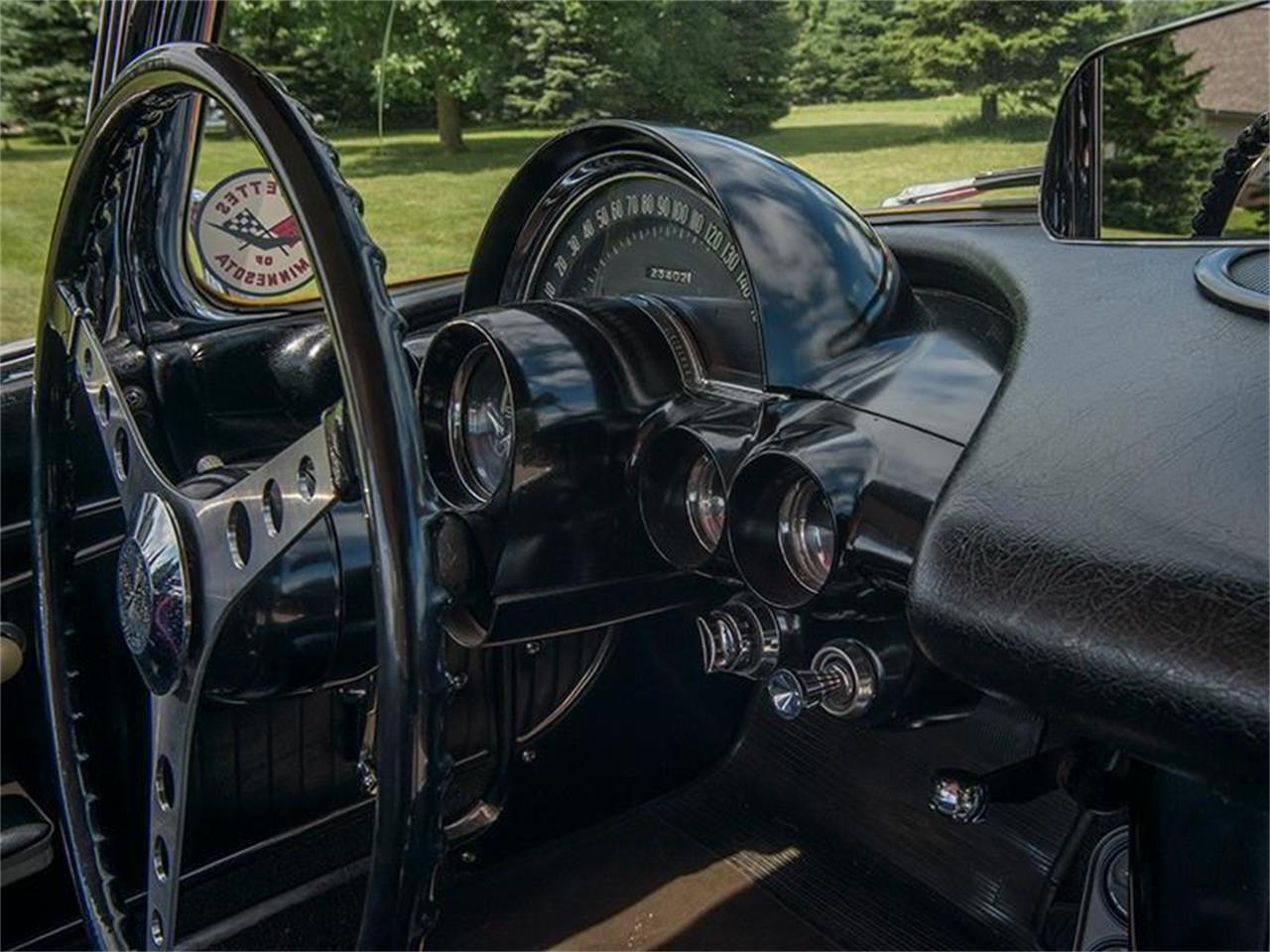 Large Picture of '62 Chevrolet Corvette - LHPM