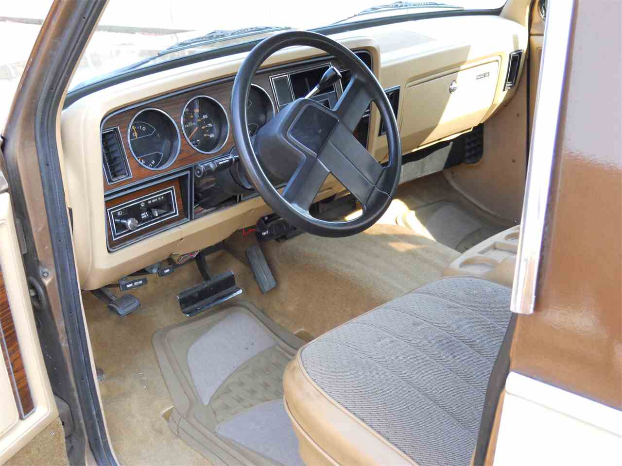 Large Picture of 1986 Dodge Ramcharger - LHRU