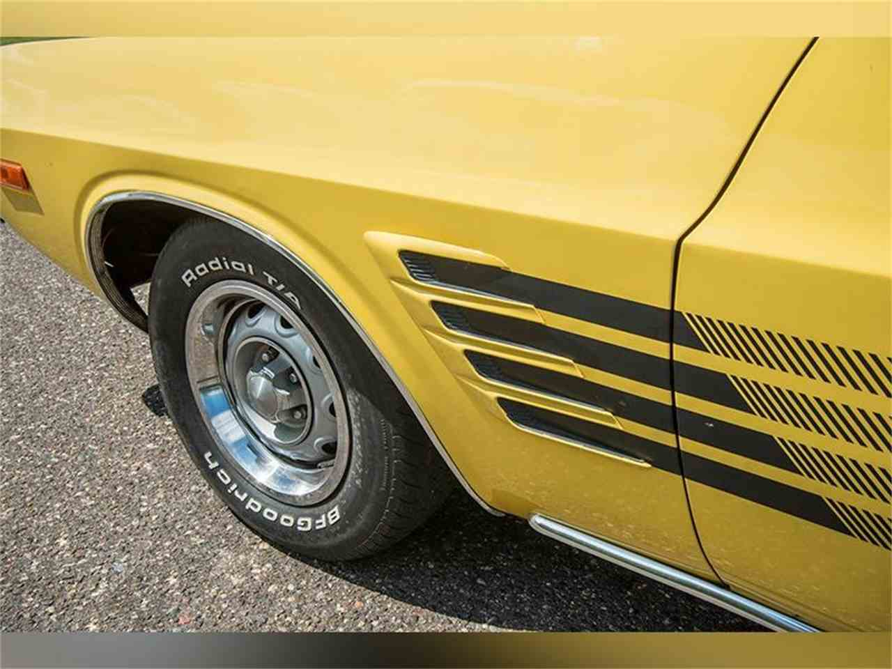 Large Picture of '74 Challenger - LFTV