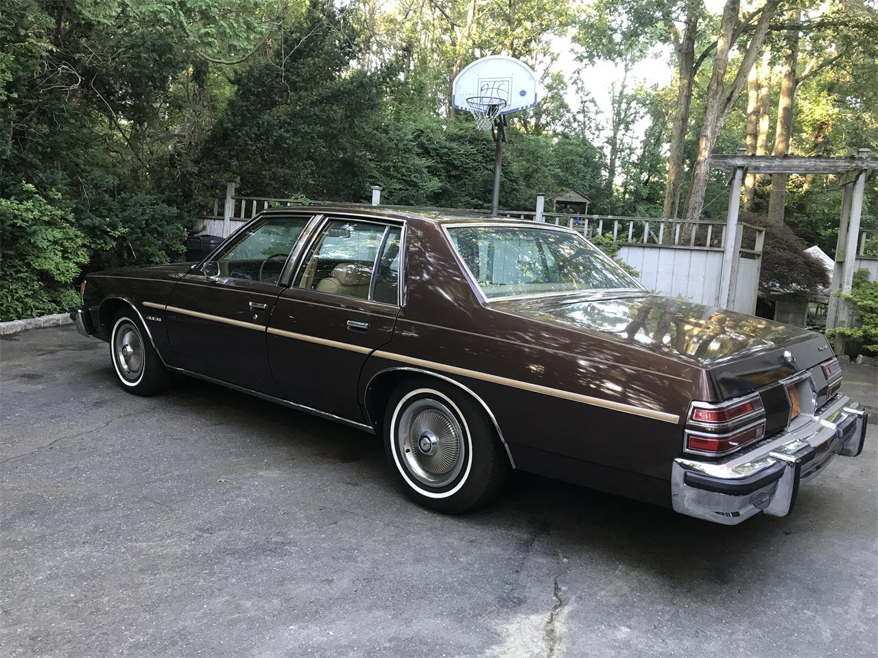 Large Picture of '77 Pontiac Catalina - LHWC