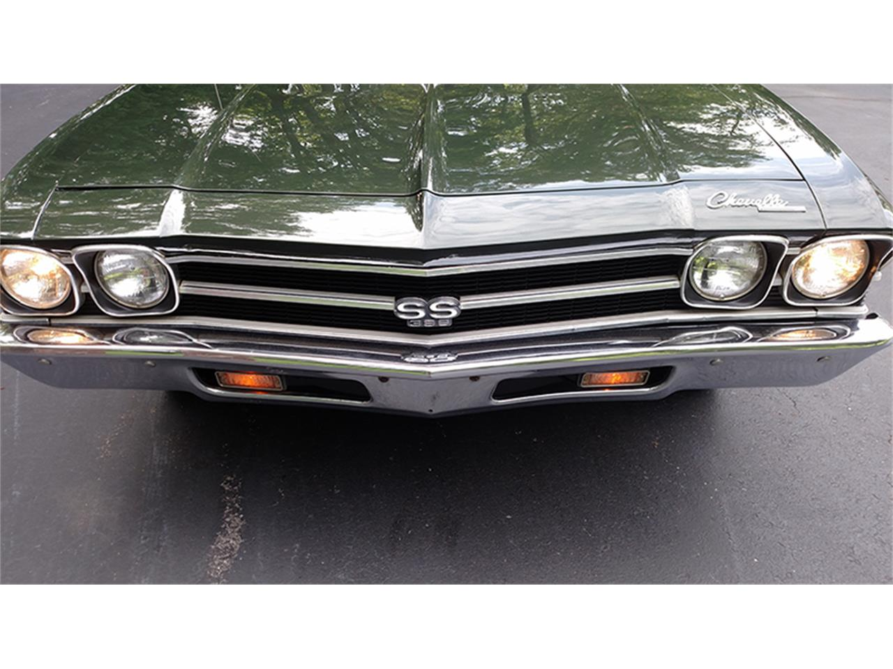 Large Picture of '69 Chevelle SS - LFU8