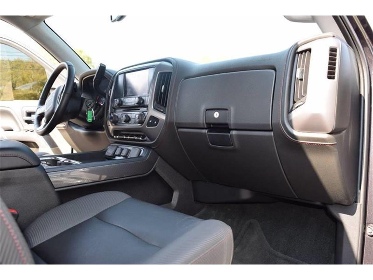 Large Picture of 2016 Sierra - LHZQ