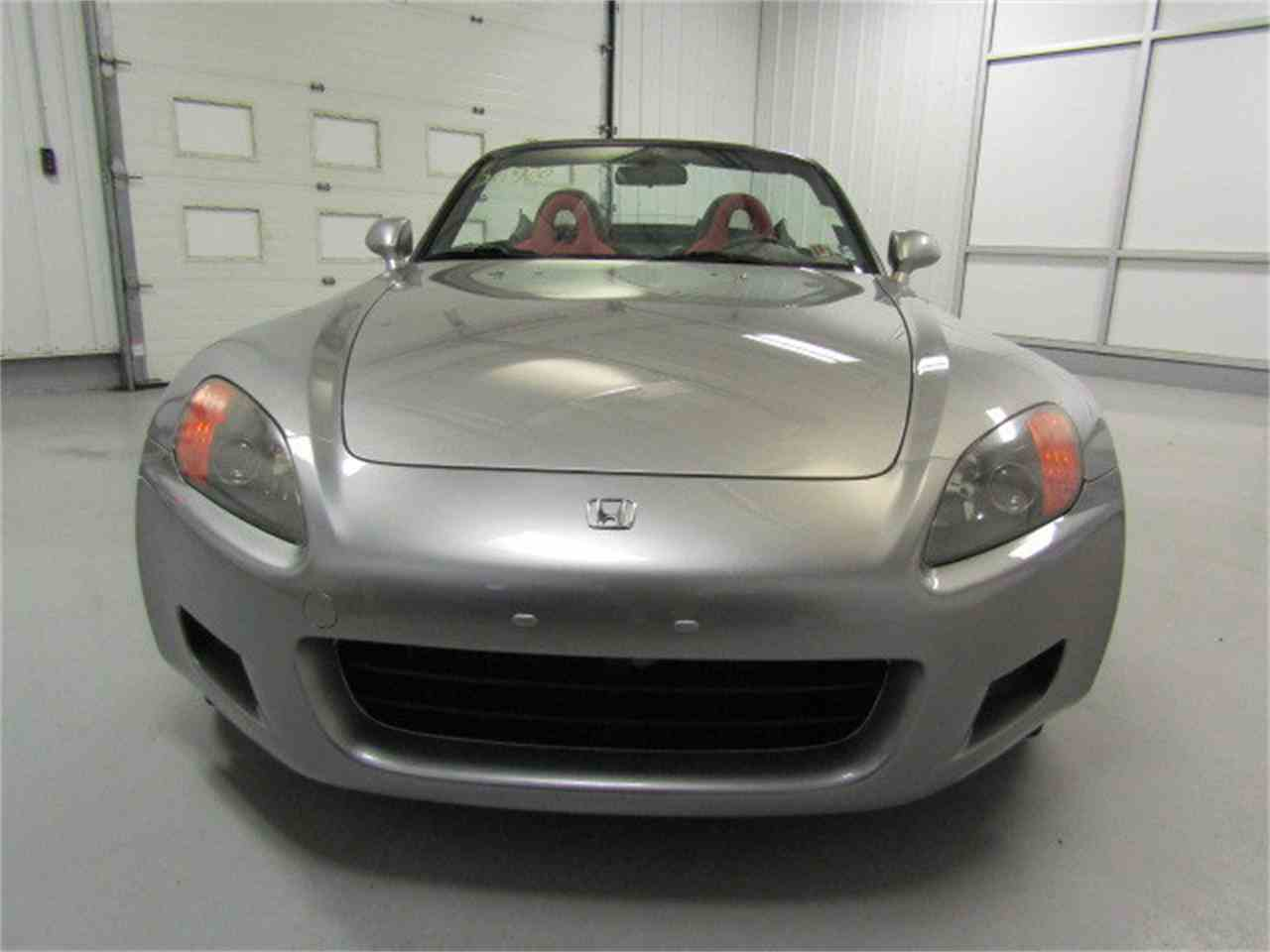 Large Picture of '01 Honda S2000 located in Virginia Offered by Duncan Imports & Classic Cars - LI1R