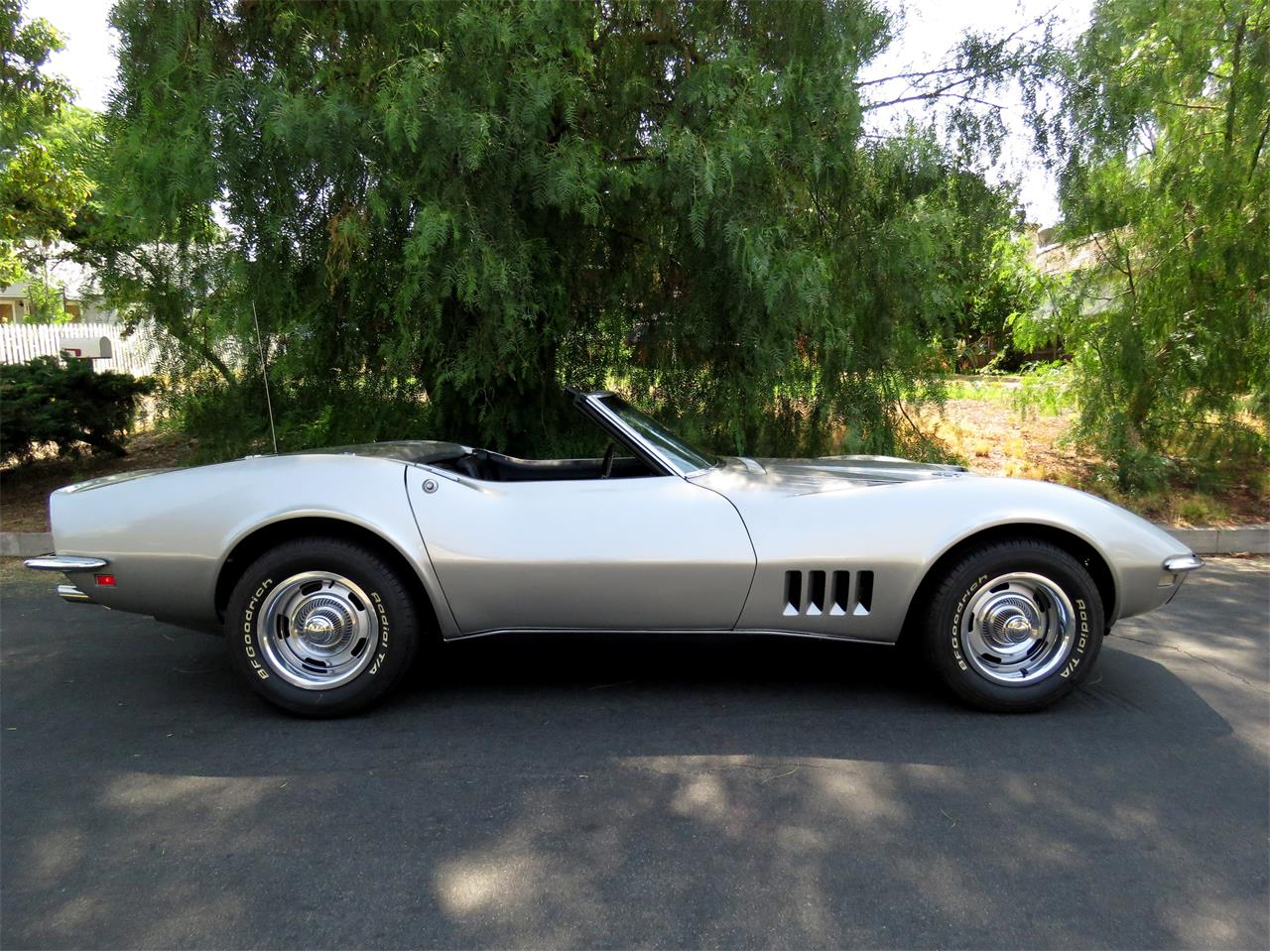 Large Picture of Classic 1968 Chevrolet Corvette located in California Offered by Left Coast Classics - LI2U