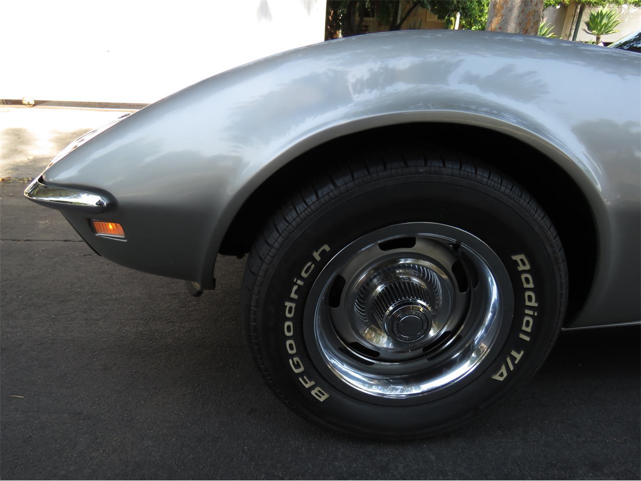 Large Picture of '68 Corvette - LI2U