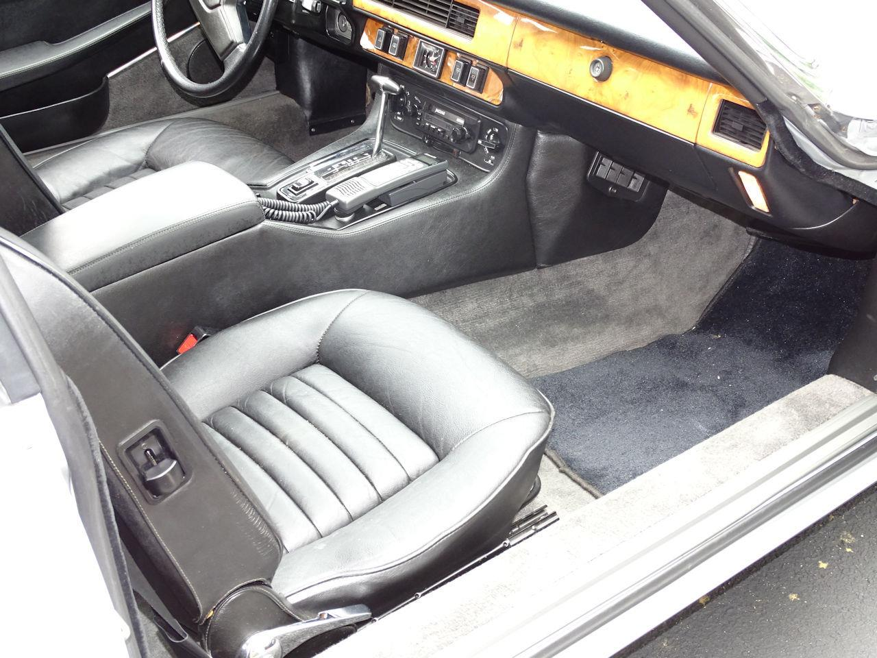 Large Picture of 1982 XJ Offered by Gateway Classic Cars - Philadelphia - LI4S