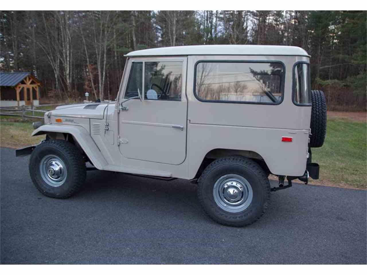 Large Picture of Classic '72 Land Cruiser FJ located in Vermont - LI7I