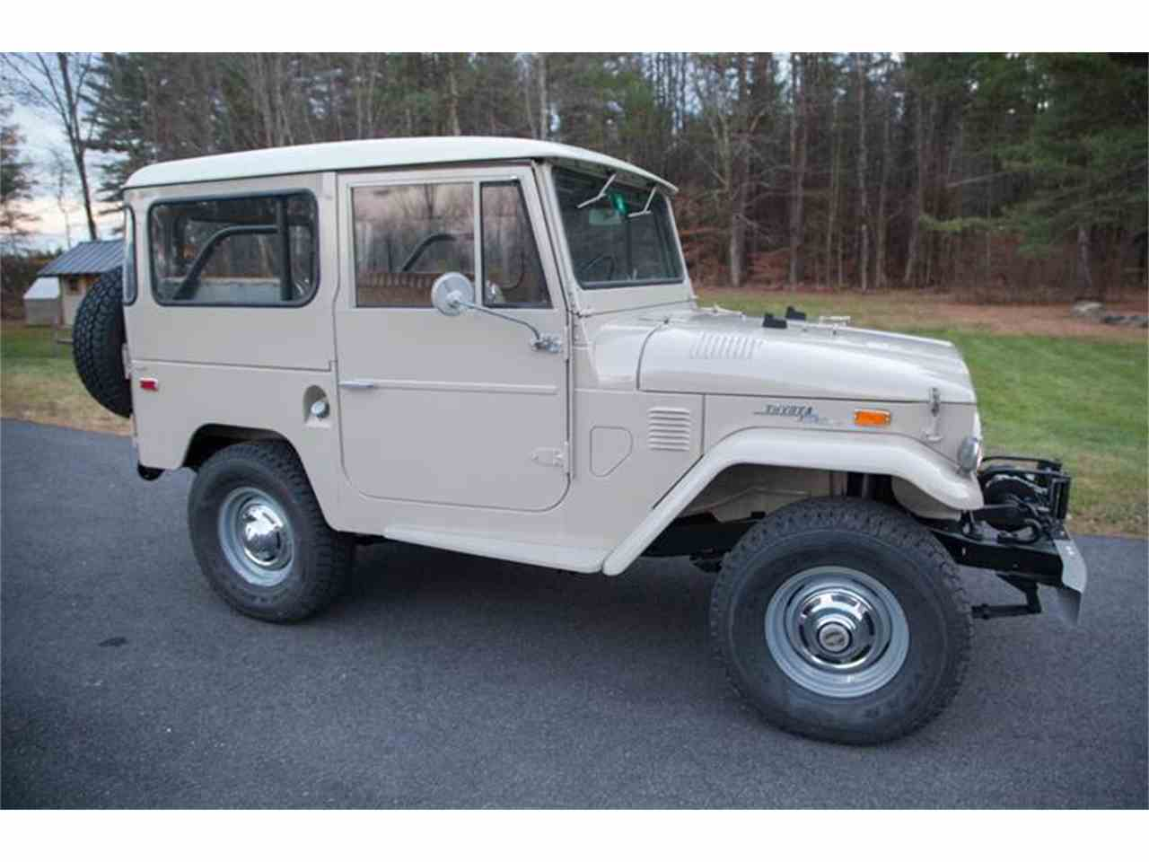 Large Picture of '72 Land Cruiser FJ located in Essex Junction Vermont - $52,500.00 - LI7I