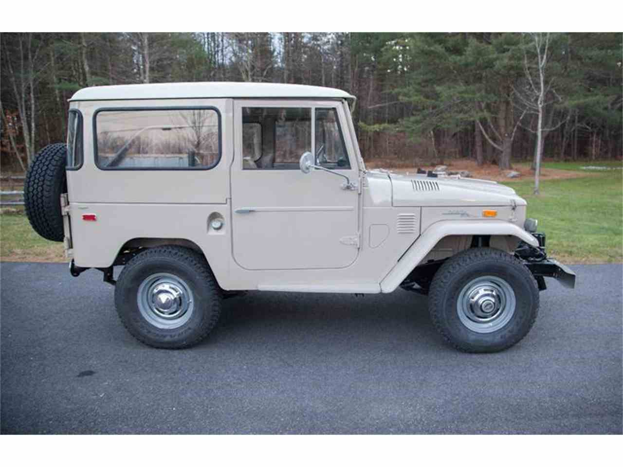 Large Picture of 1972 Land Cruiser FJ located in Essex Junction Vermont Offered by Essex Motorsport LLC - LI7I