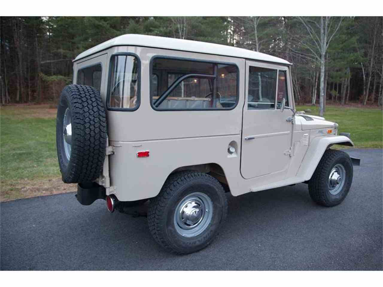Large Picture of Classic 1972 Toyota Land Cruiser FJ located in Essex Junction Vermont - LI7I