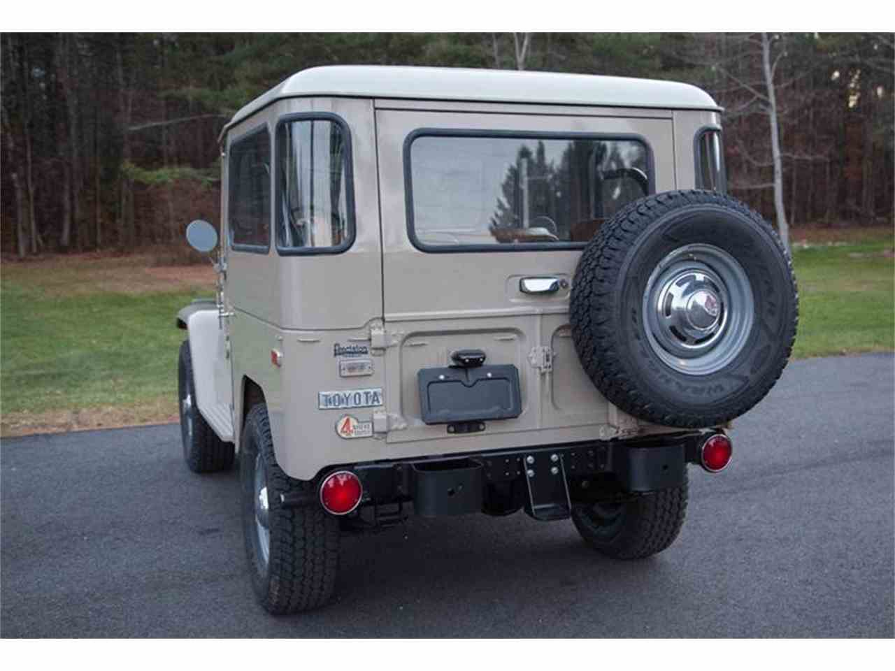 Large Picture of '72 Toyota Land Cruiser FJ located in Essex Junction Vermont Offered by Essex Motorsport LLC - LI7I