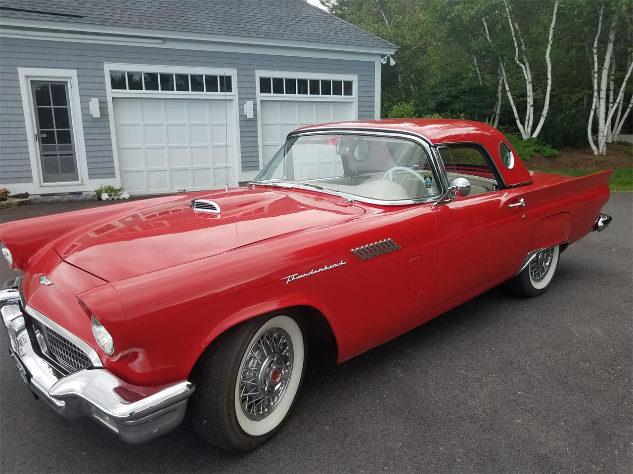 Large Picture of '57 Thunderbird - LI8K