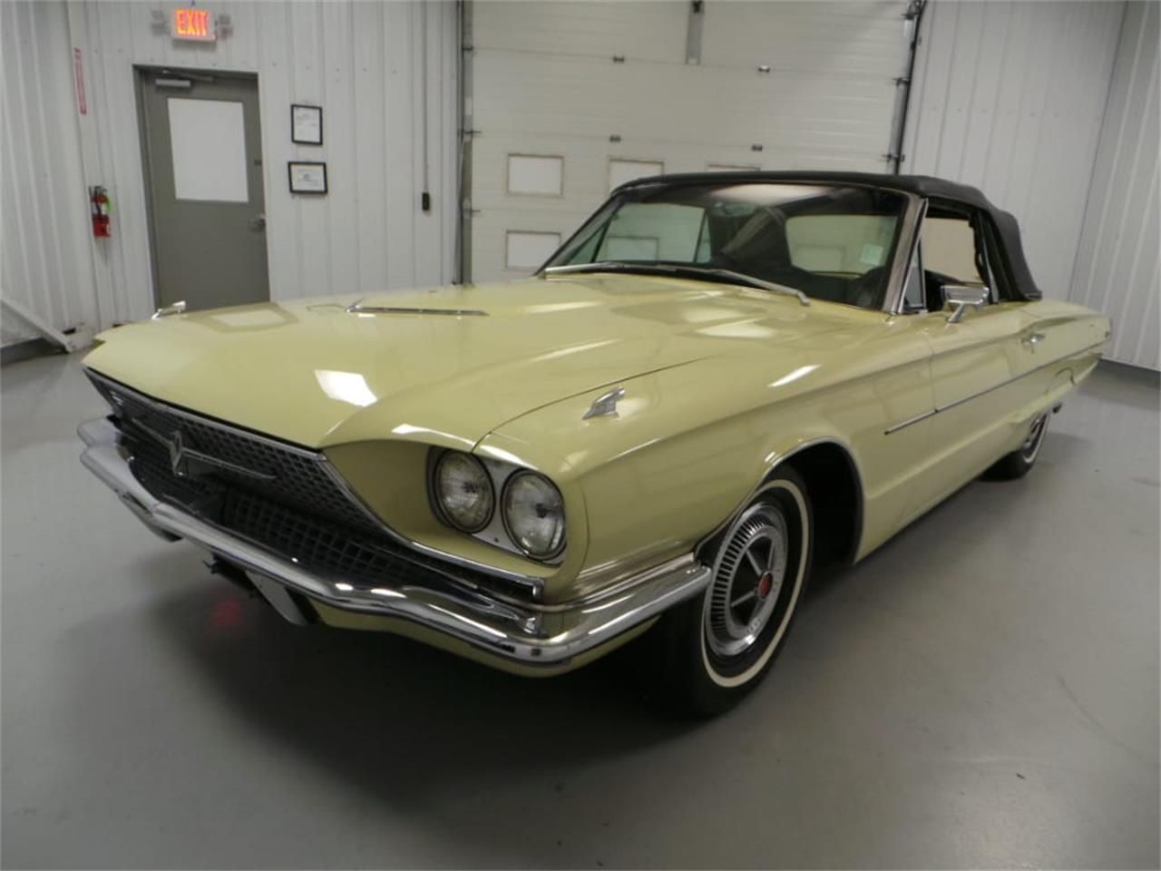Large Picture of Classic 1966 Thunderbird - LID2
