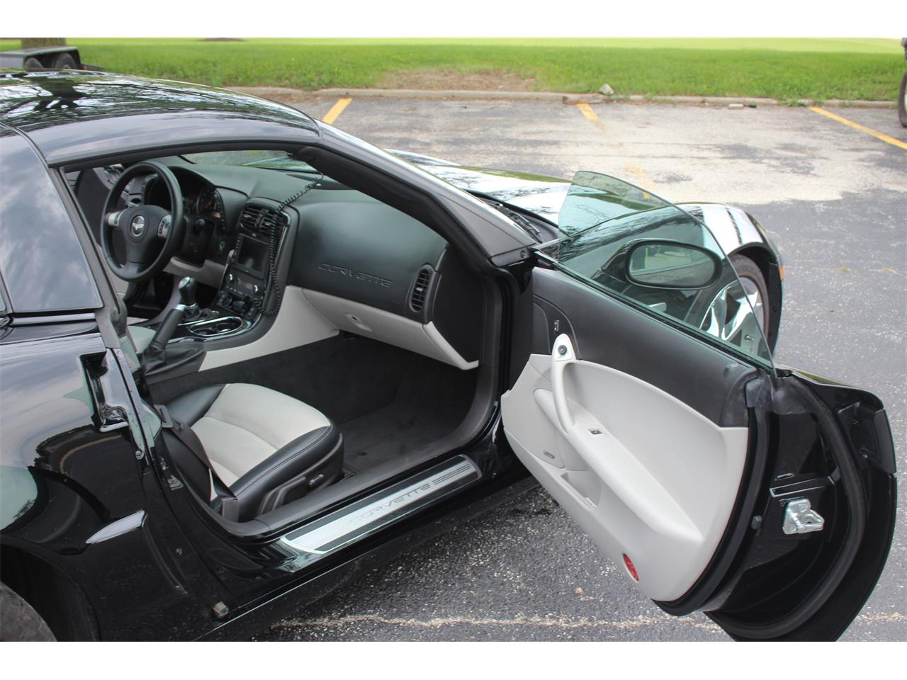 Large Picture of 2010 Chevrolet Corvette - $39,900.00 Offered by Midwest Muscle Cars - LIN4