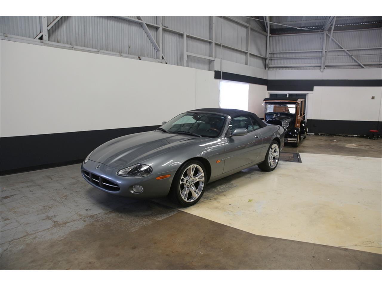 Large Picture of '03 Jaguar XK8 - $9,000.00 - LIP4