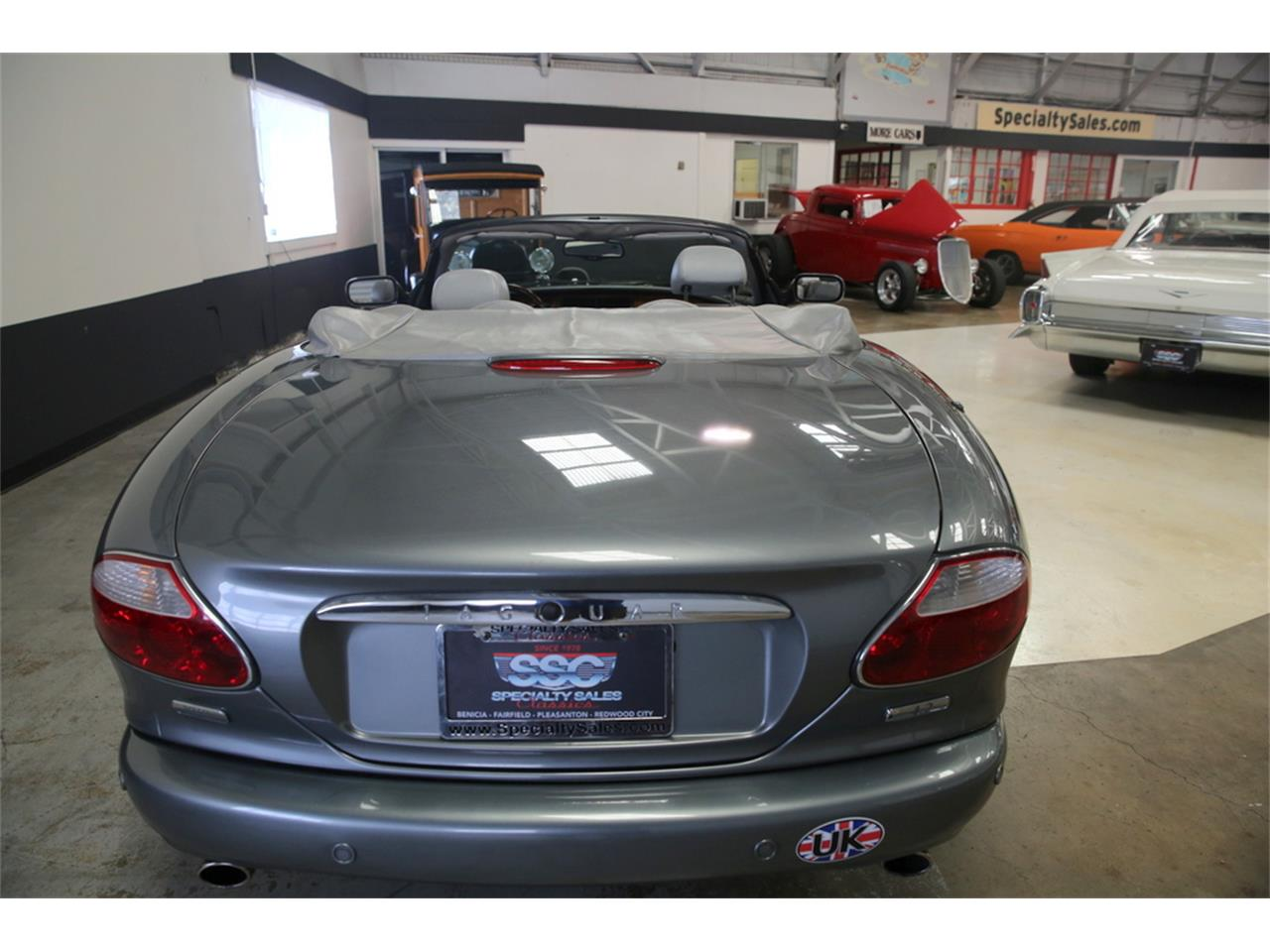 Large Picture of 2003 XK8 located in California - LIP4
