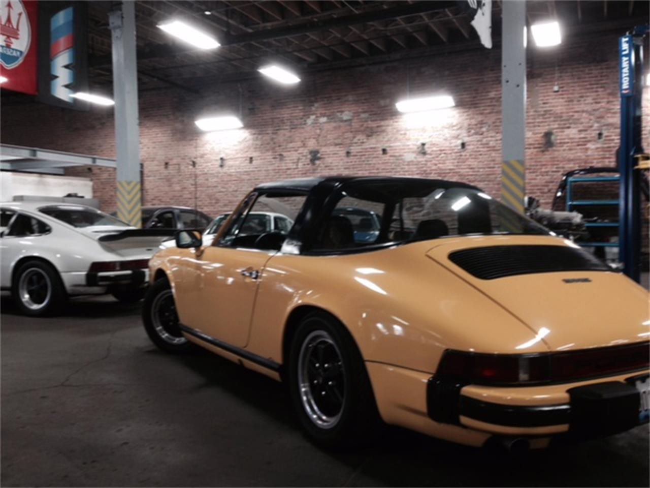 Large Picture of 1976 911 located in Illinois - $29,900.00 - LFWX