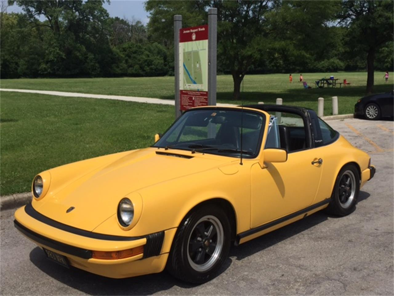Large Picture of 1976 Porsche 911 located in Oak Park Illinois - LFWX