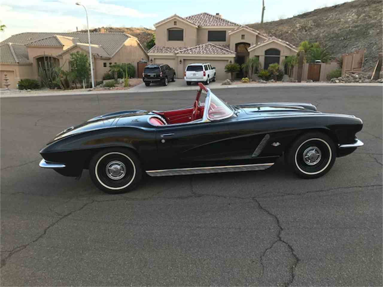 Large Picture of '62 Corvette - LFYT