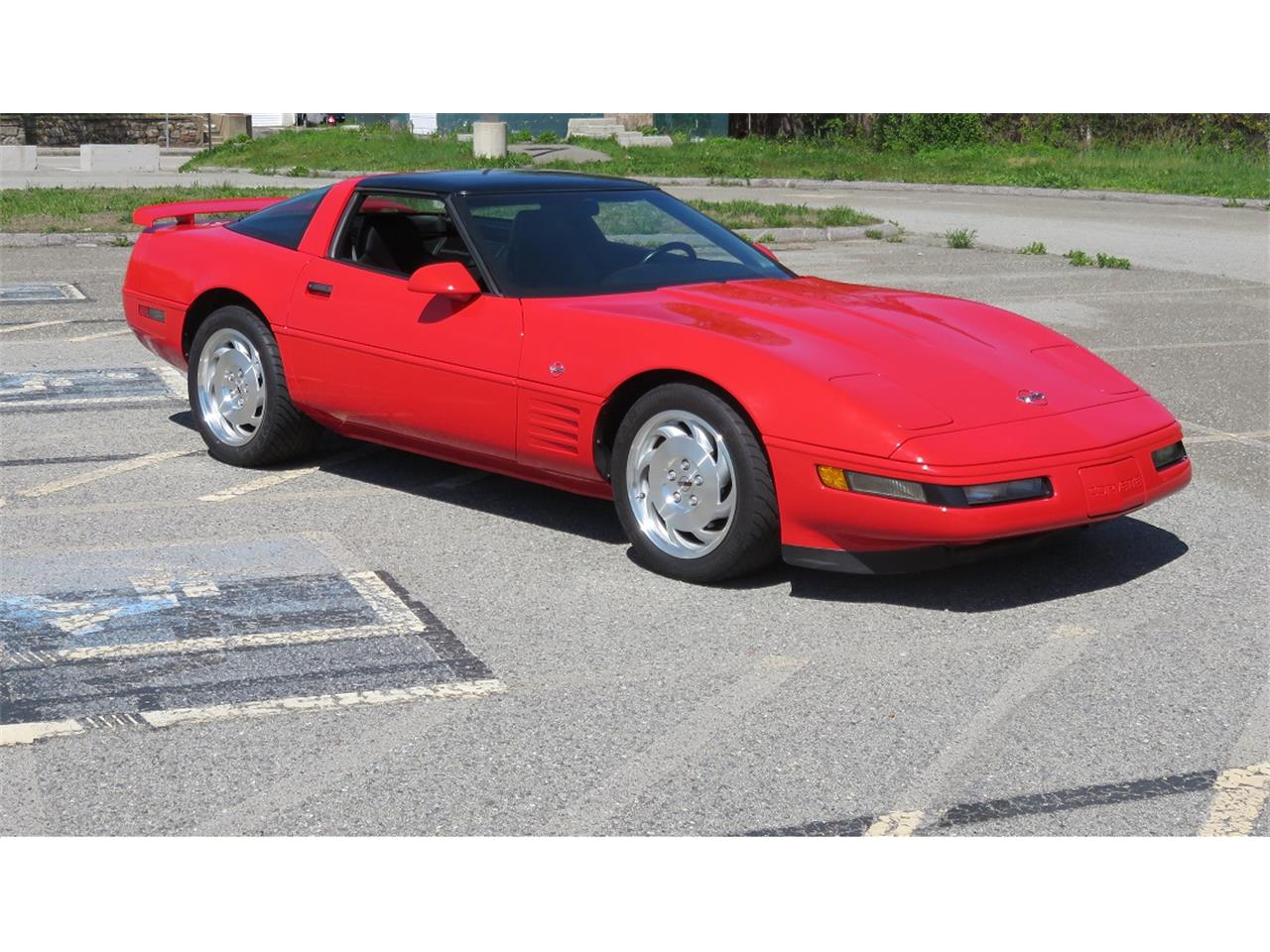 Large Picture of '94 Chevrolet Corvette located in Connecticut - $23,900.00 Offered by a Private Seller - LFZL