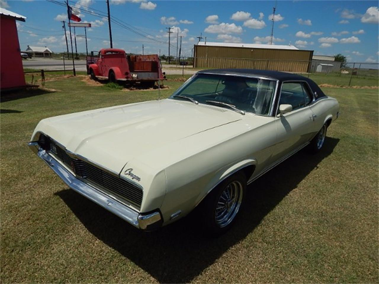 Large Picture of '69 Cougar - LG03
