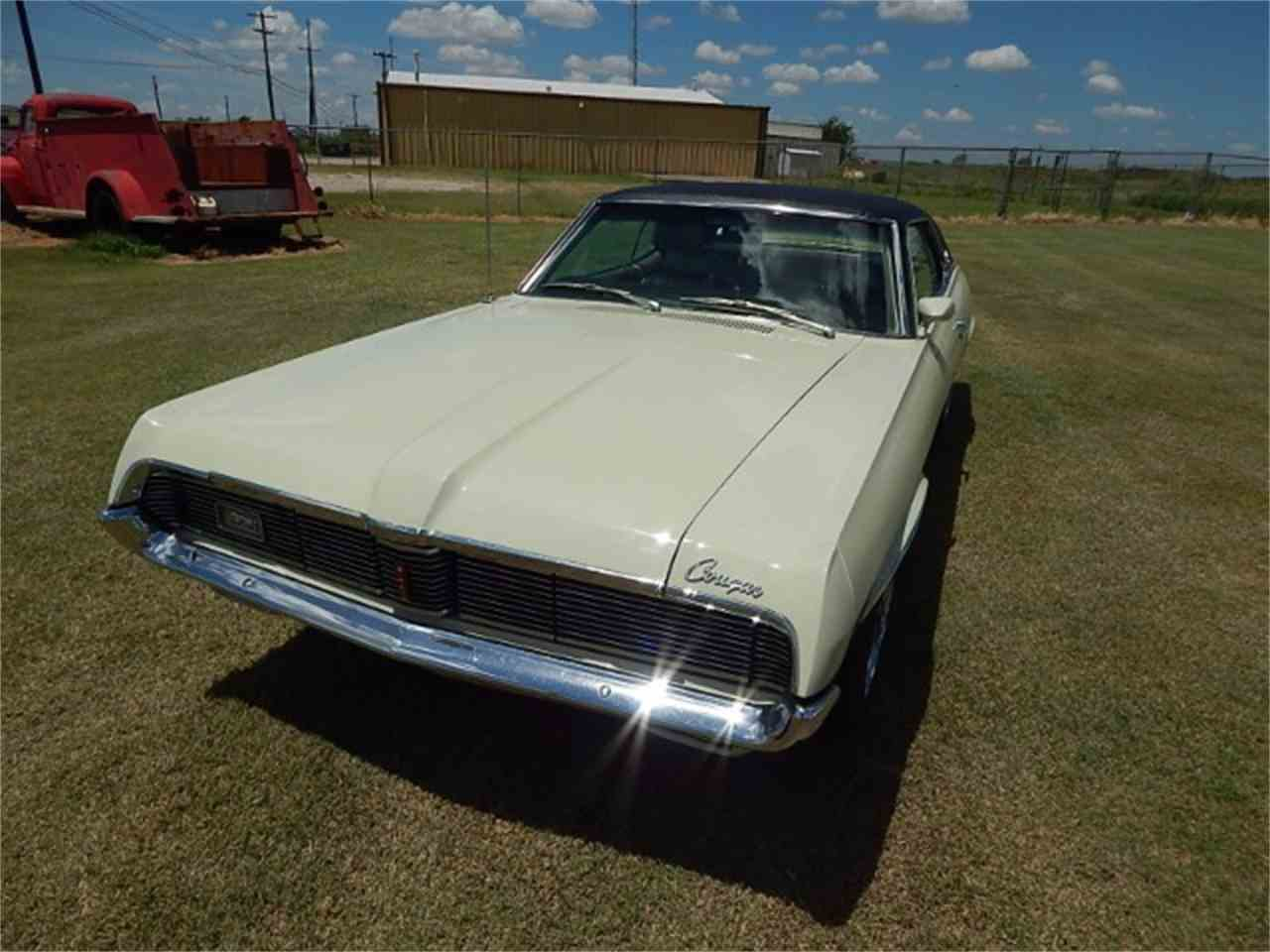 Large Picture of '69 Cougar located in Wichita Falls Texas Offered by Lone Star Muscle Cars - LG03