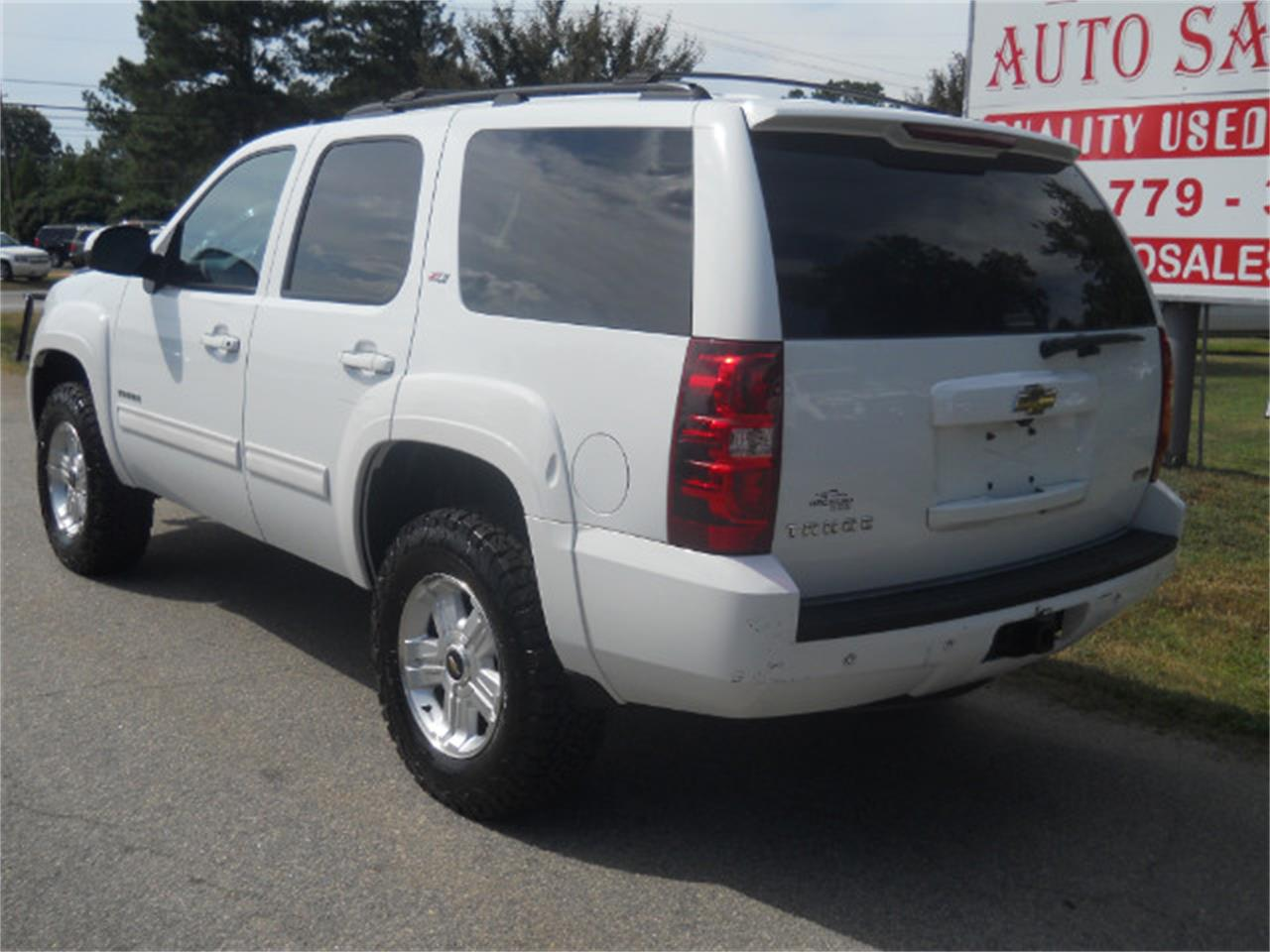 Large Picture of '11 Tahoe - LK5T