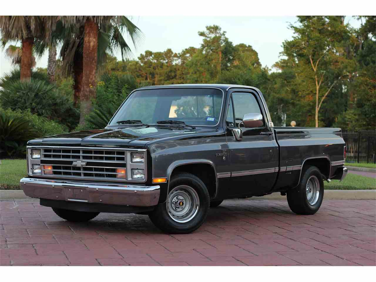 Large Picture of '87 Chevrolet C10 Offered by Texas Trucks and Classics - LG3L
