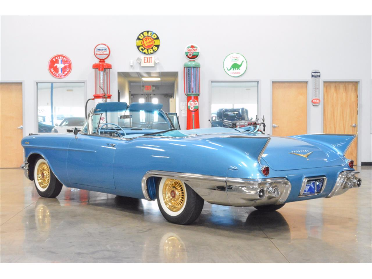 Large Picture of Classic '57 Cadillac Eldorado Auction Vehicle Offered by John Kufleitner's Galleria - LKLZ