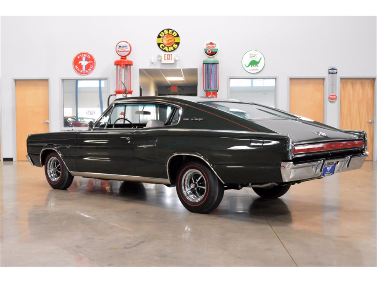 Large Picture of Classic '67 Dodge Charger - LKM1