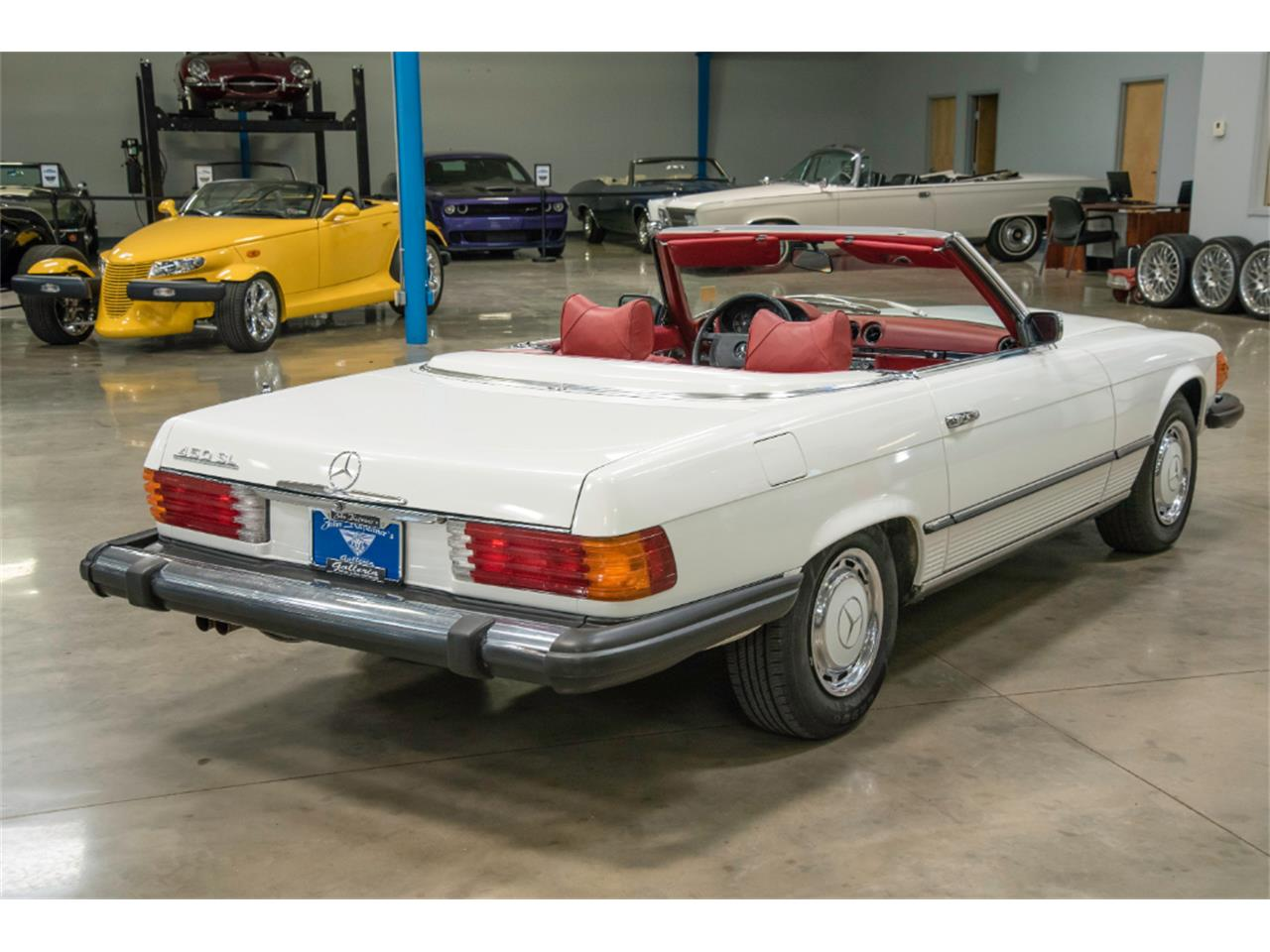 Large Picture of '76 450SL - $16,800.00 Offered by John Kufleitner's Galleria - LKM8