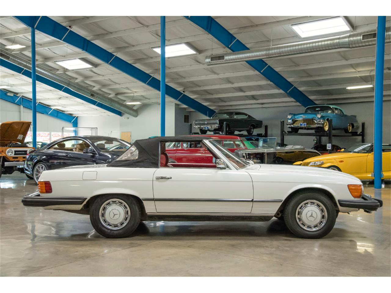 Large Picture of '76 Mercedes-Benz 450SL located in Salem Ohio - $16,800.00 - LKM8