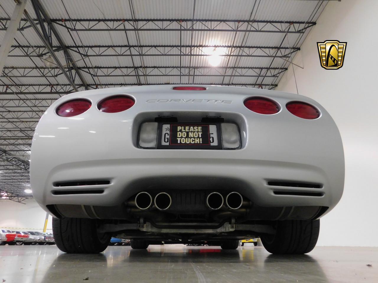 Large Picture of '01 Corvette - LG44
