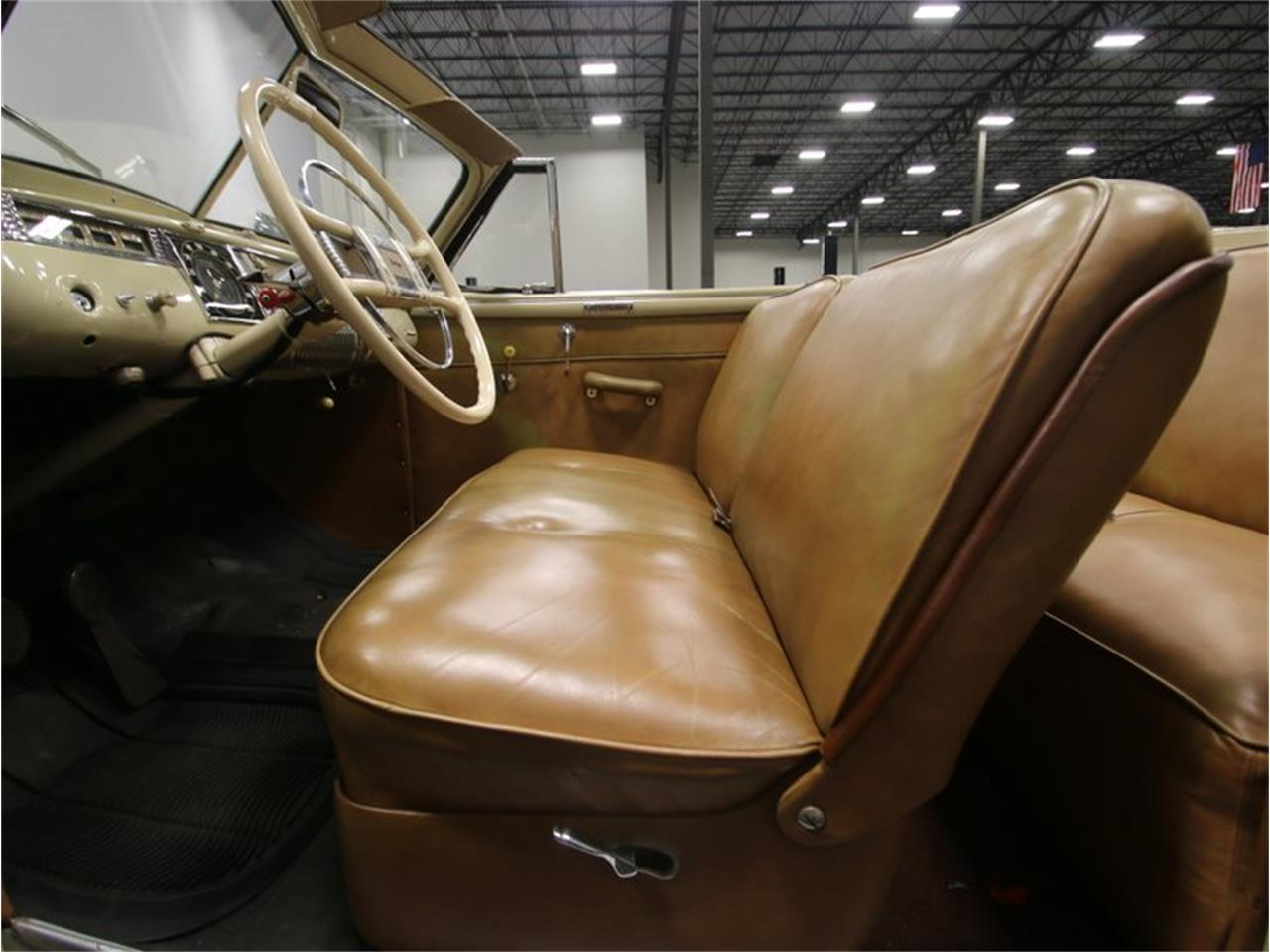 Large Picture of '41 Dodge Luxury Liner - LKP6