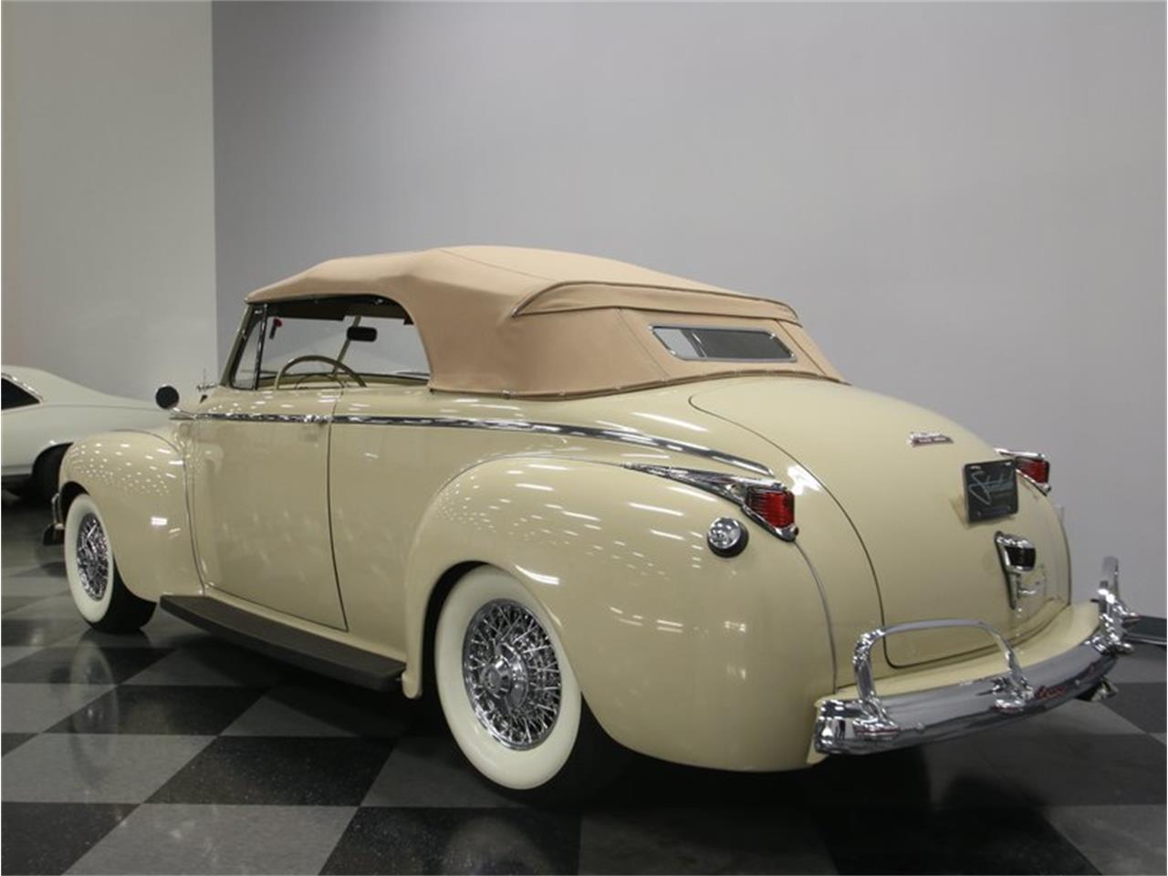 Large Picture of Classic '41 Luxury Liner located in Tennessee - $49,995.00 Offered by Streetside Classics - Nashville - LKP6