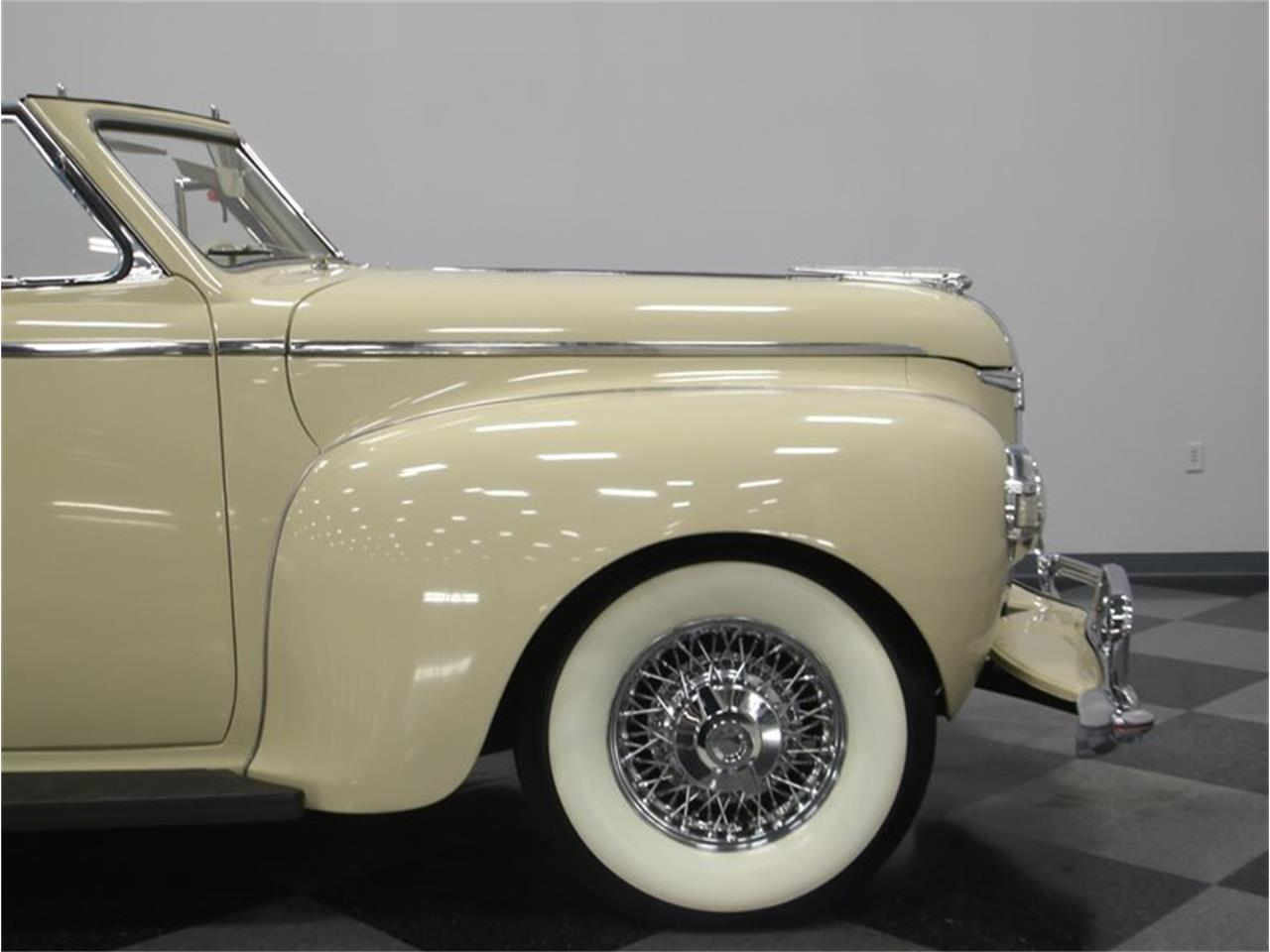 Large Picture of Classic '41 Dodge Luxury Liner - $49,995.00 Offered by Streetside Classics - Nashville - LKP6