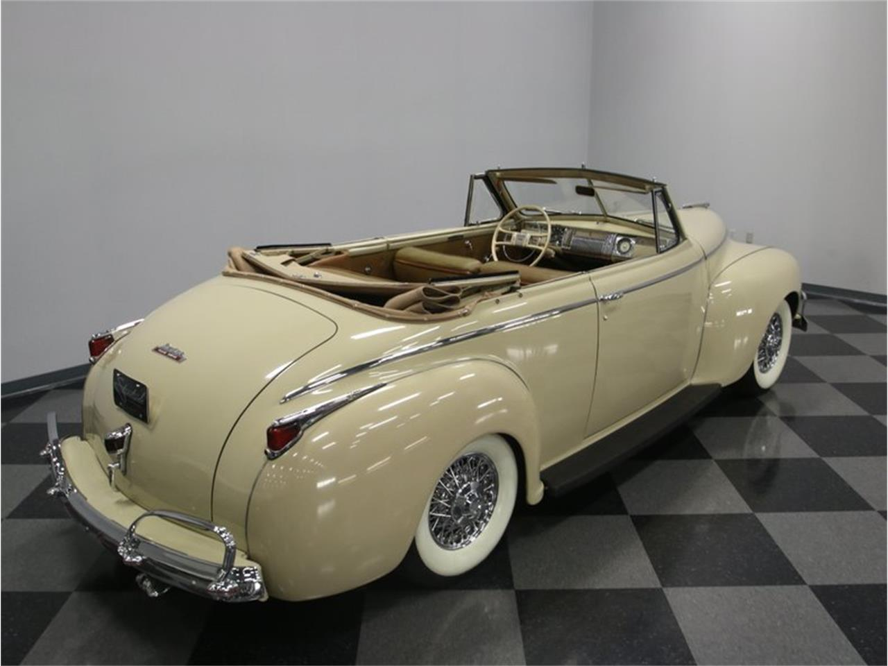 Large Picture of Classic '41 Luxury Liner Offered by Streetside Classics - Nashville - LKP6