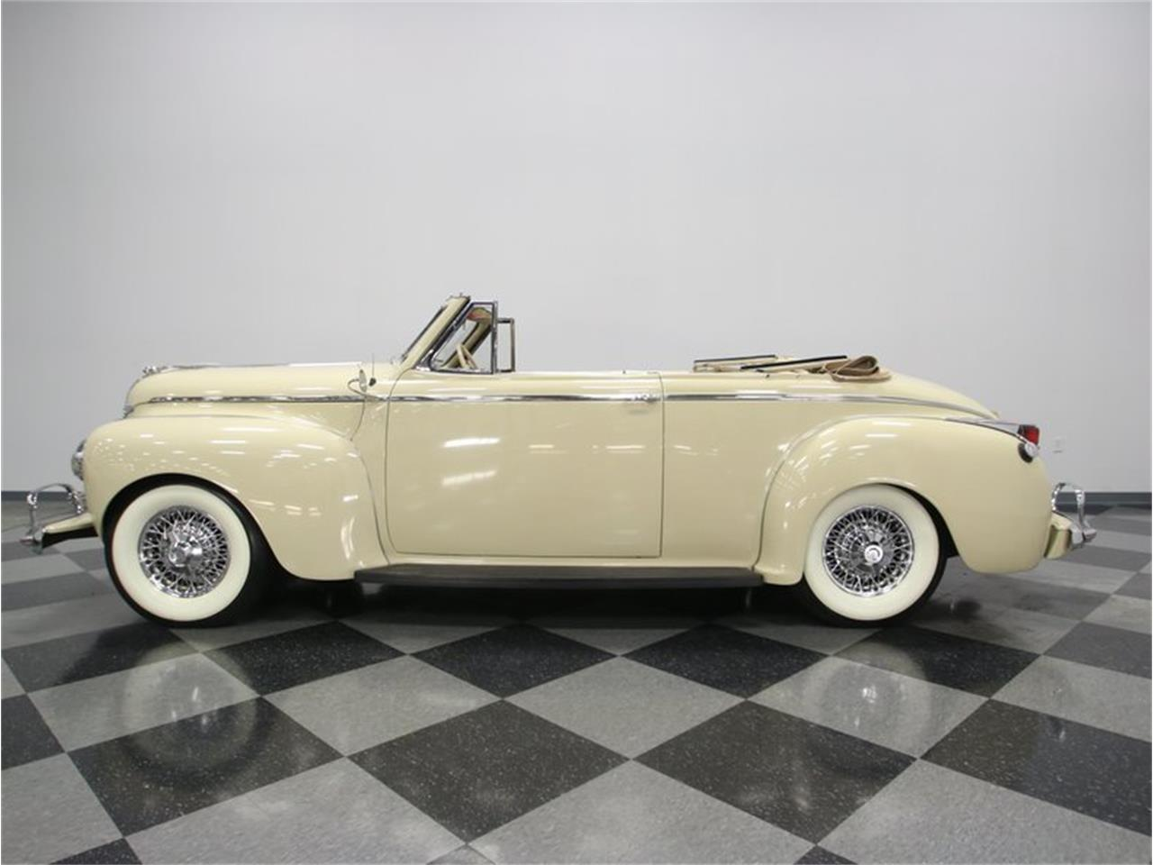 Large Picture of Classic 1941 Luxury Liner located in Lavergne Tennessee Offered by Streetside Classics - Nashville - LKP6
