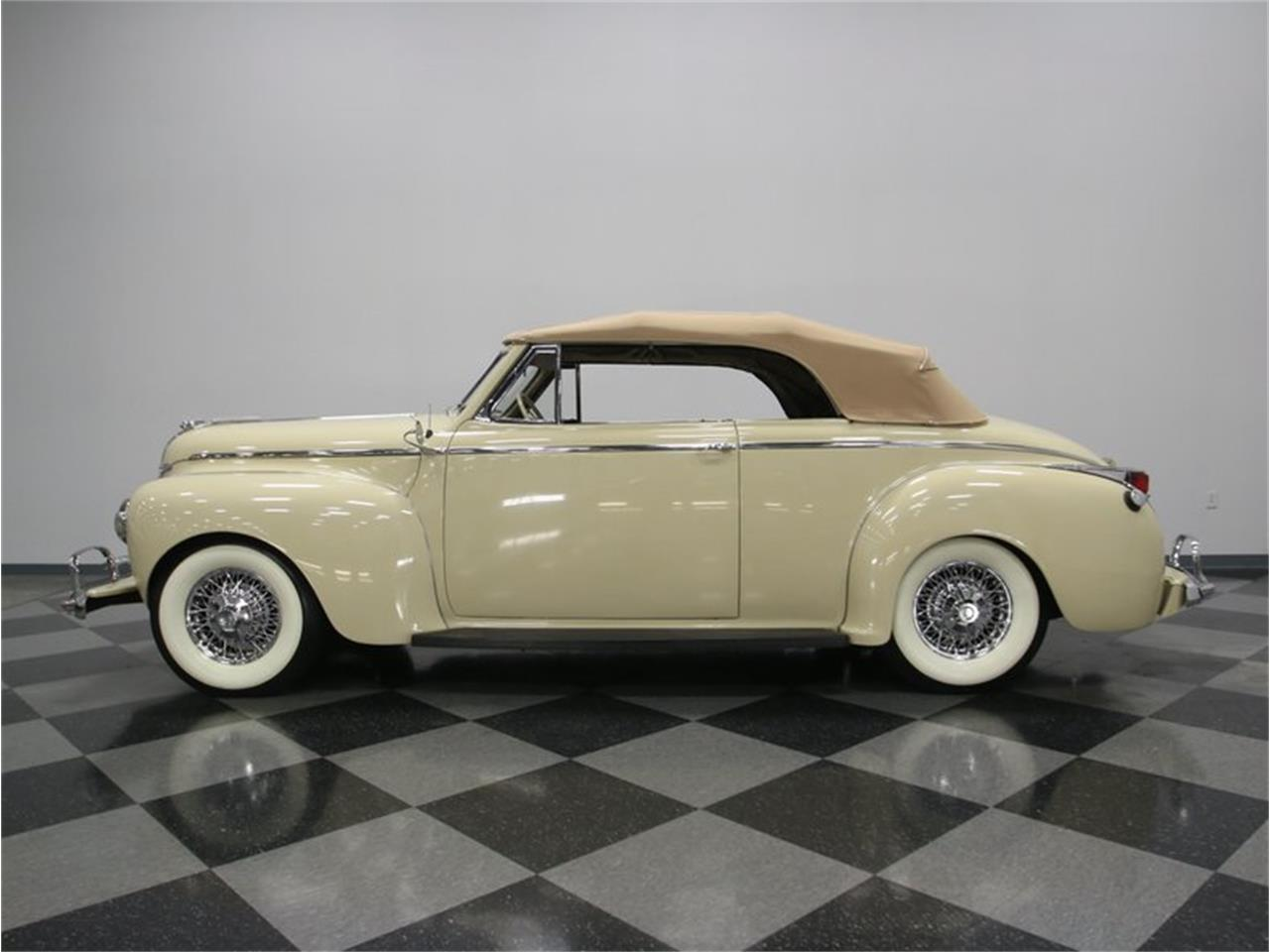 Large Picture of Classic 1941 Dodge Luxury Liner - LKP6