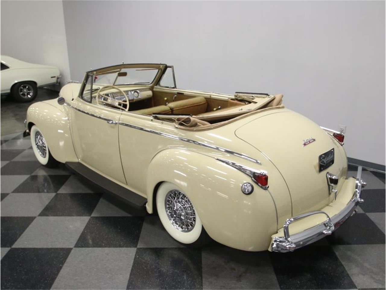 Large Picture of Classic '41 Dodge Luxury Liner - $49,995.00 - LKP6