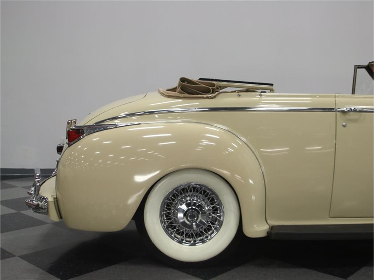 Large Picture of 1941 Luxury Liner located in Tennessee - $49,995.00 Offered by Streetside Classics - Nashville - LKP6