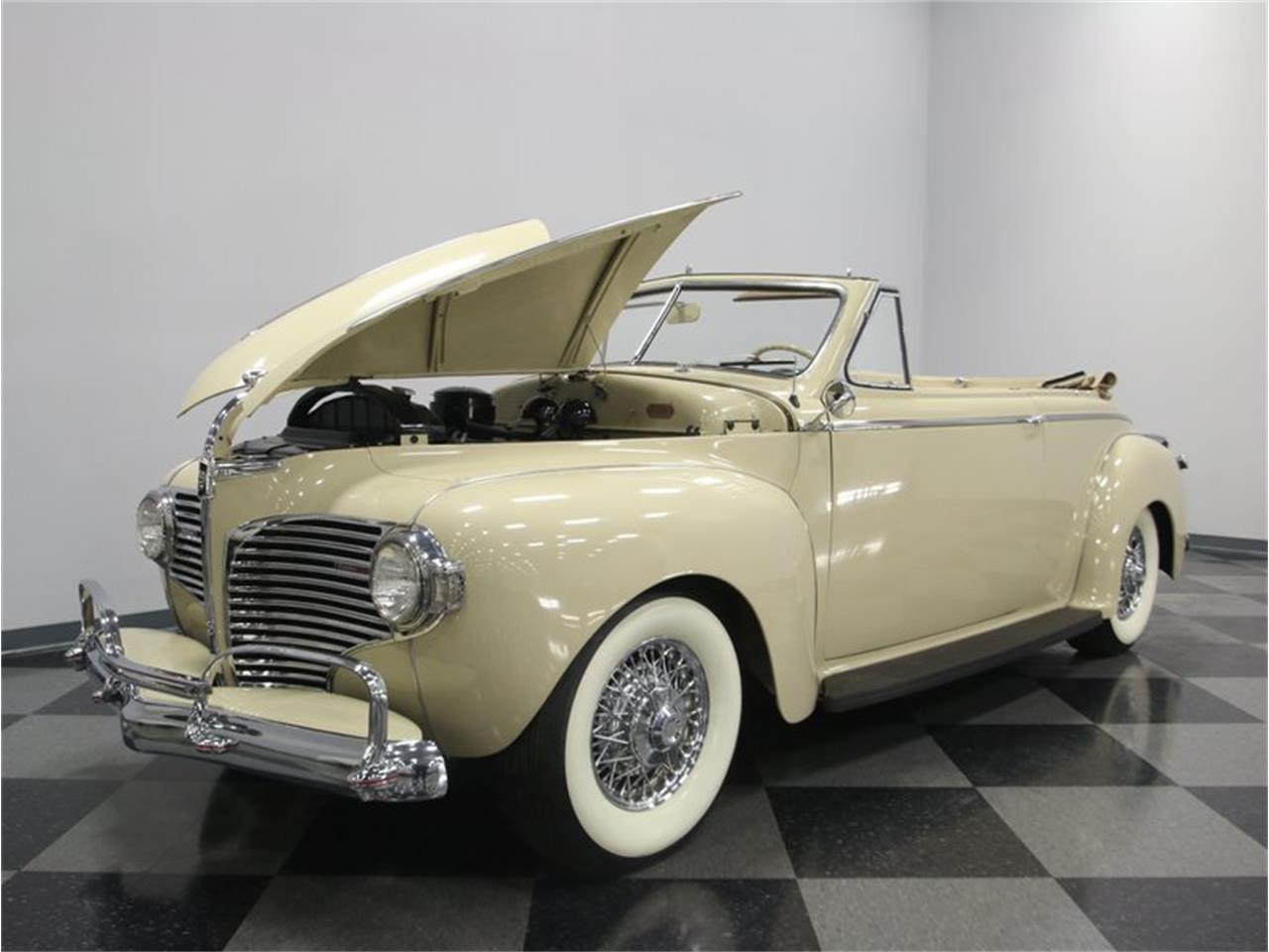 Large Picture of 1941 Luxury Liner - $49,995.00 Offered by Streetside Classics - Nashville - LKP6